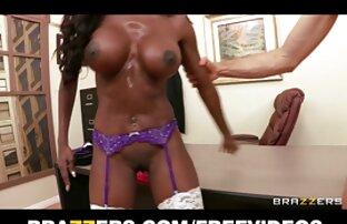 इस लड़की नग्न और सुंदर के आकर्षण से पता चलता सेक्स मूवी हिंदी इंग्लिश है