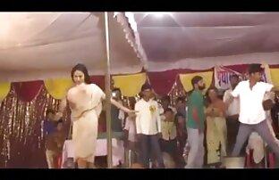 परिपक्व हिंदी मूवी सेक्सी वीडियो एक उदार
