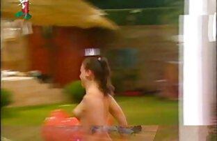 से एक सुनहरे बालों वाली लड़की में एक हिंदी में सेक्सी मूवी वीडियो नीले रंग की पोशाक